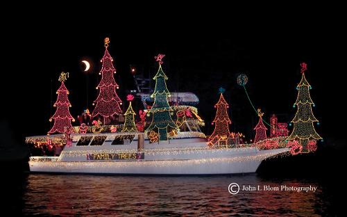 christmas ship2 6OL2h9KI